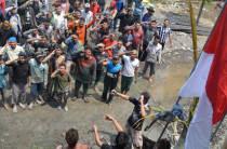 Upacara Bendera dilaksanakan para santri Lirboyo untuk menghormati hari Sumpah Pemuda